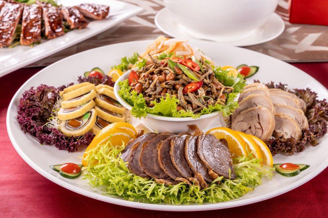 擁有主廚嚴選5樣精緻菜色的「精選福容小滿漢」,單一道菜即可滿足海陸大餐的豐富享受...