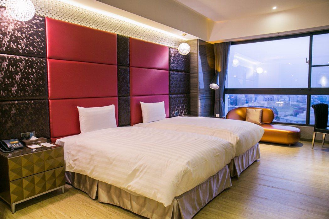 「三好國際酒店」格局就是大氣,每間客房至少14坪,且規劃寬敞乾濕分離衛浴設施、浴...