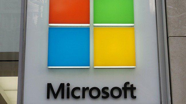 微軟(Microsoft)財報優於預期,股價盤後大漲6%。  路透