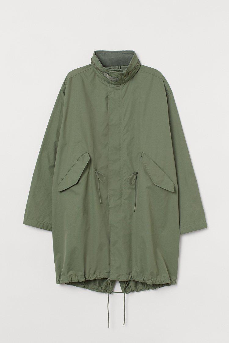 H&M新春系列男裝風衣2,999元。圖/H&M提供