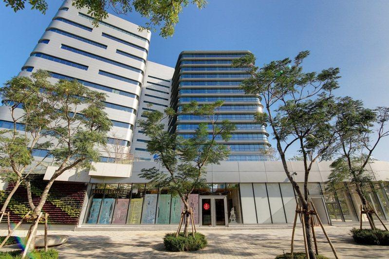 Google位於Tpark(台北遠東通訊園區)新辦公室建築外觀。圖/Google台灣提供