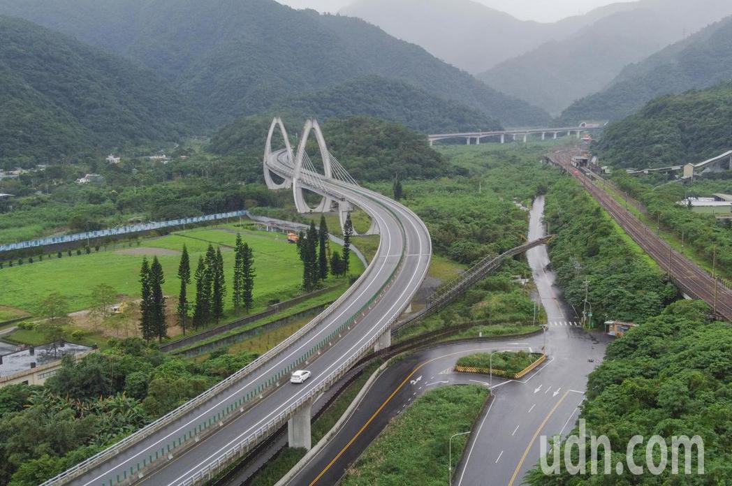 「國道5號銜接蘇花公路改善計畫」全長約7.2公里,全線以隧道工程為主,初步預估本...