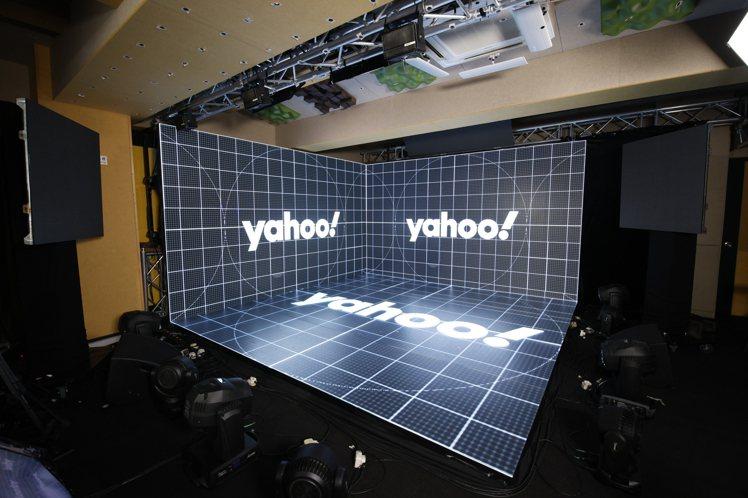 「Yahoo搜尋人氣大獎2020」頒獎典禮運用即時XR延展實境技術,以有限空間無...