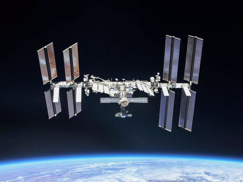 美國民間太空旅行首發團將在國際太空站(如圖)漫遊八天。圖/NASA提供