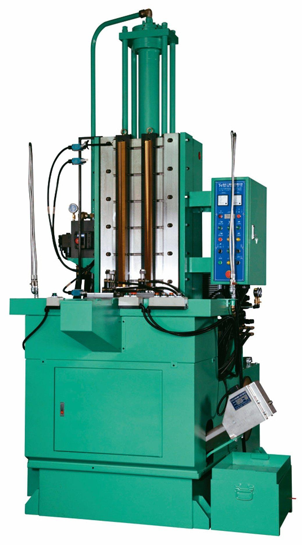 璨鑫機械研製各式油壓立式拉床。璨鑫機械/提供