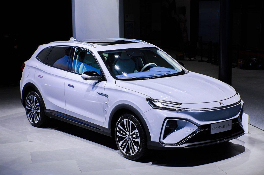 大陸首款5G汽車下月將問世,上汽榮威的MARVEL-R是一款純電動SUV車型,搭...