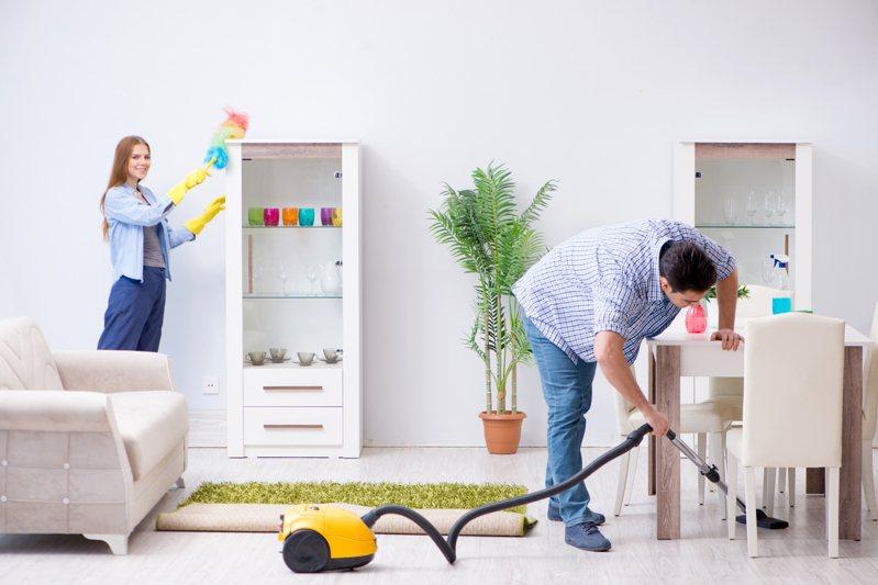 年節少不了要大掃除,除了保持清潔之外,更可以藉此整頓家中風水。圖片來源/ingimage