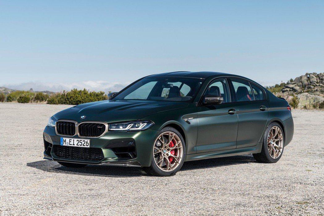 BMW M5 CS。 摘自BMW