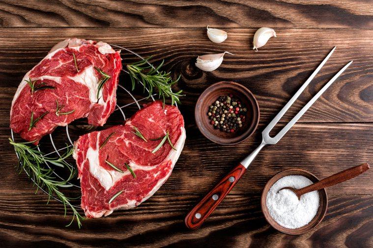 許多便宜牛排其實並不新鮮。示意圖/ingimage