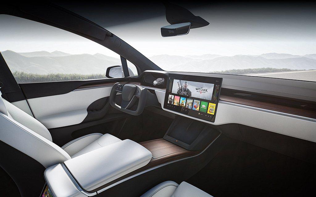 新特斯拉Model S、Model X內裝導入未來感十足的Yoke方向盤設計,中...