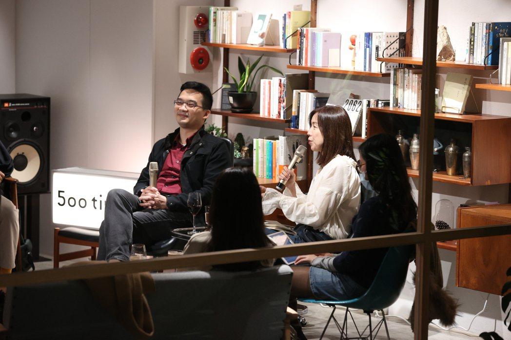 李惠貞提醒科技幫助人們生活更便利,但卻有感到更幸福嗎?  圖/林澔一攝影