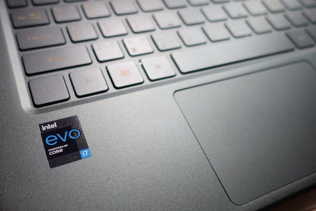 此次實測讓小豪葛格體會到,英特爾Evo的各項筆電使用優勢,尤其用電表如喚醒、續航...