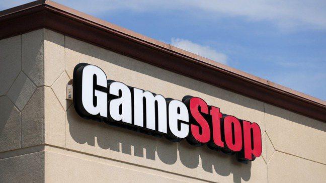 遊戲驛站(GameStop)股價因網路論壇號召散戶大軍捧場,今年來一路狂飆。  ...