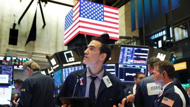 最新調查顯示,全球企業今年發放股利的幅度,預料有望反彈近5%。 路透