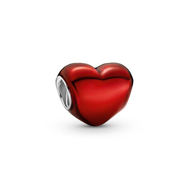 炙愛紅心串飾,1,480元。圖/PANDORA提供