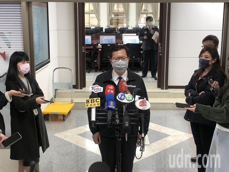 鄭文燦表示,部桃專案是南、北各一個點,1天300人由衛生局負責接送與採檢,600...