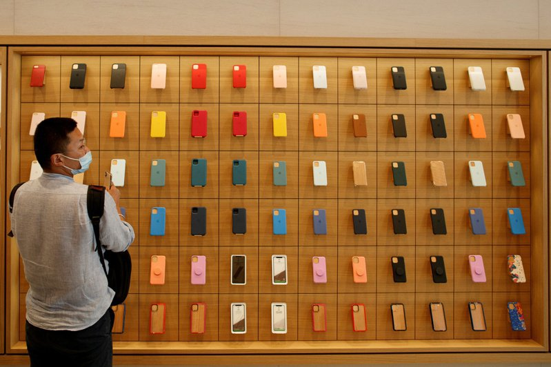 蘋果在去年第4季成為全球最大智慧手機最大供應商。路透