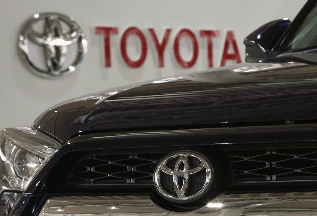 豐田汽車超越競爭對手福斯,成為2020年銷售量最高的車廠。路透