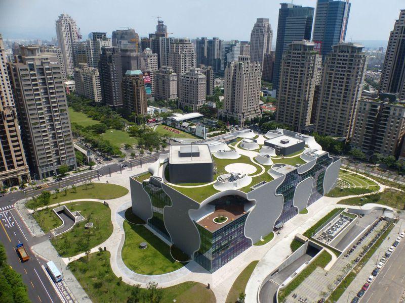 改善空汙是台中市最重要的課題之一。圖為台中國家歌劇院。 圖/聯合報系資料照片