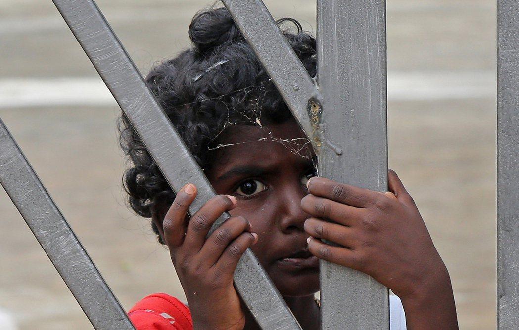 印度一位女法官近日以隔著衣服猥褻兒童不符合法定構成要件為由,裁定一名隔著衣服猥褻...