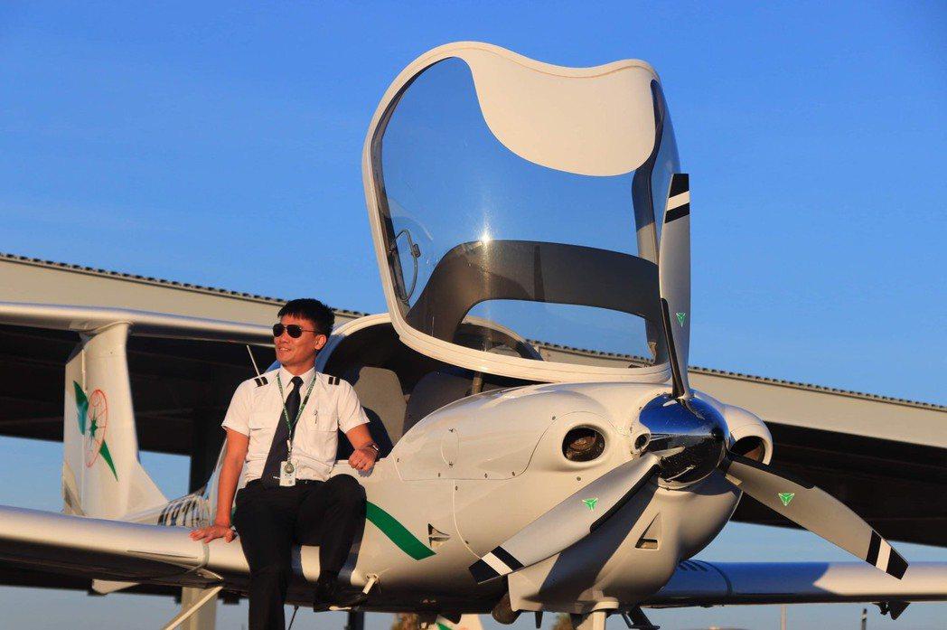 長榮航空飛行學院2012年12月成立至今,已完訓長榮航空培訓飛行員281名,20...