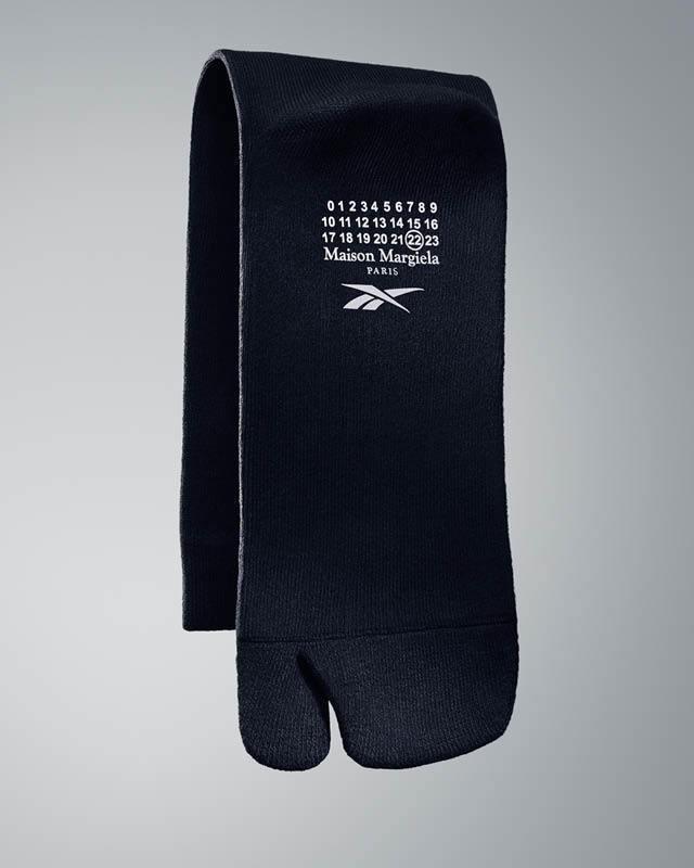 購買Reebok Classic Leather Tabi鞋,特別附贈專屬Tab...