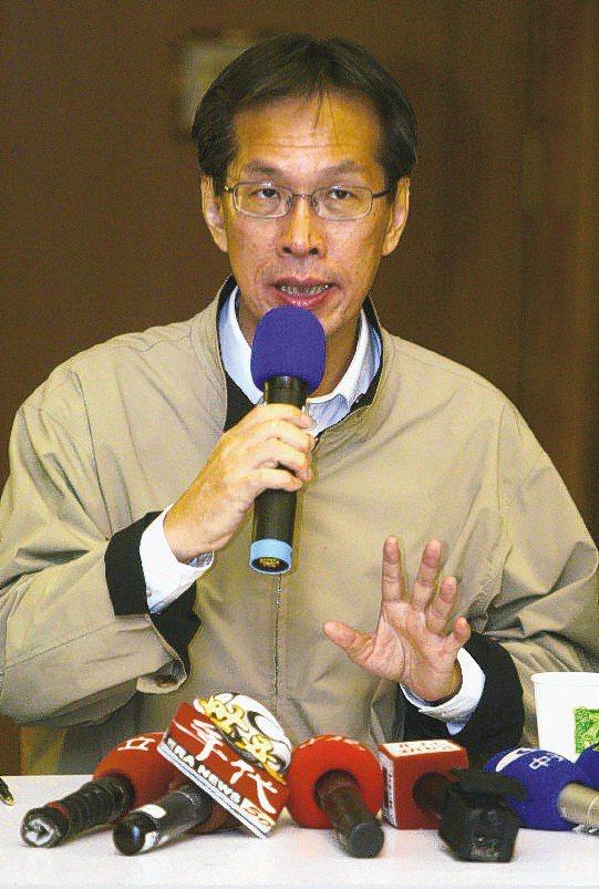 醫界人士表示,18年前SARS時,黃芳彥任新光醫療副院長,警覺心高,協助醫院「抗煞」有成。圖/本報資料照片