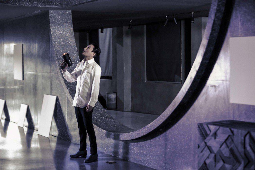 張信哲與與蓋瑞巴洛攜手合作的英文新歌「A Matter of Love」。圖/潮