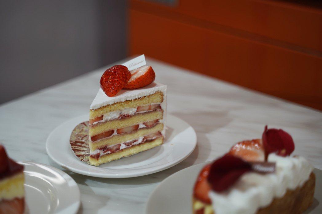 以紅顏草莓製作的草莓純生鮮奶油蛋糕。 圖/沈佩臻攝影