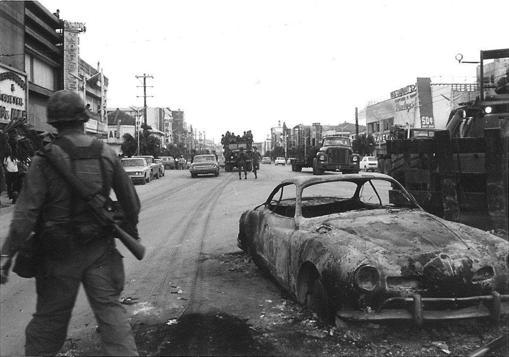 戰後的沖繩在應否復歸日本的爭論背後有不同考量,初期是要投向日本或美國的搖擺,其後...