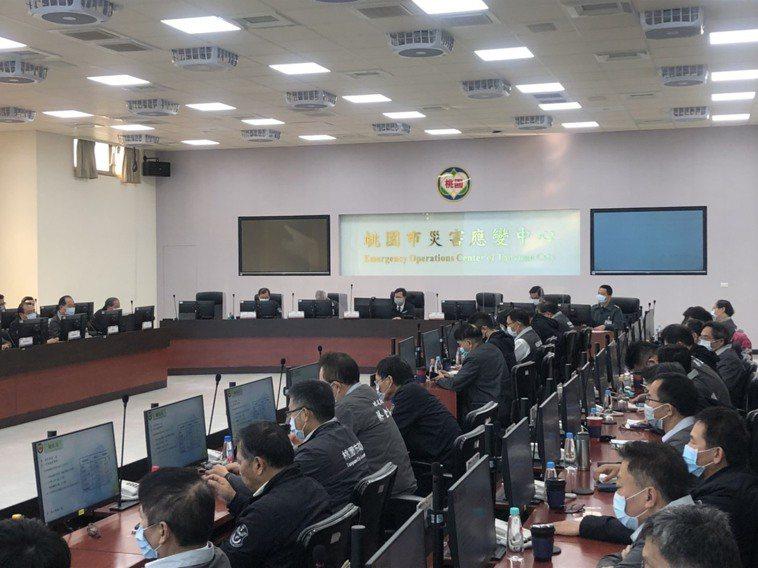桃園市長鄭文燦今天早上8點主持防疫會議。記者曾健祐/攝影