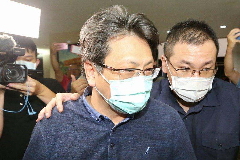 立委蘇震清辦公室主任余學洋(左)。圖/報系資料照片