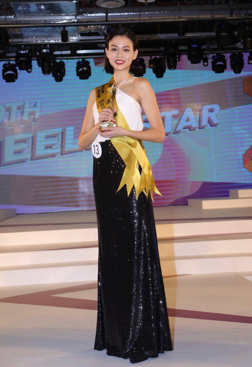 練以婷為女模組冠軍,也是本屆璀璨之星總冠軍。圖/伊林娛樂提供)