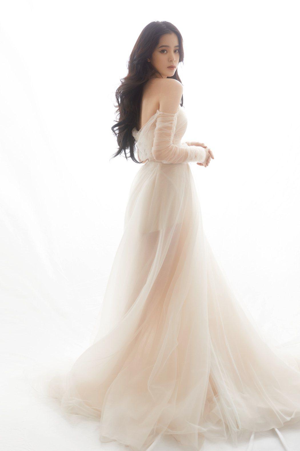 圖為歐陽娜娜曝光在工作室微博的照片。圖 / 擷自歐陽娜娜工作室微博