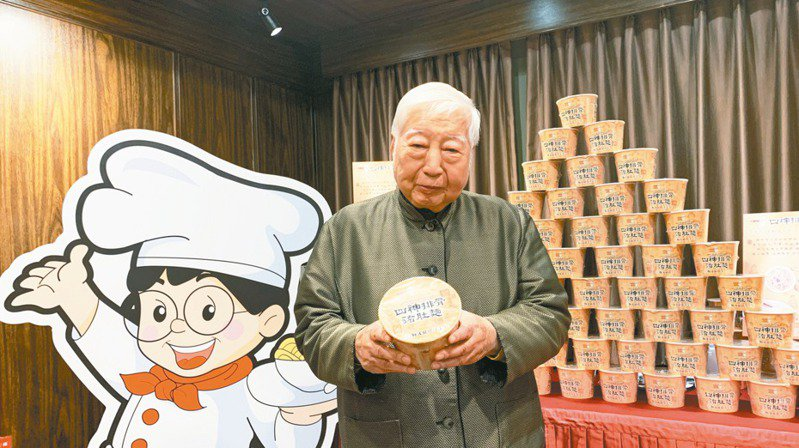 南僑集團會長陳飛龍。 記者何秀玲/攝影