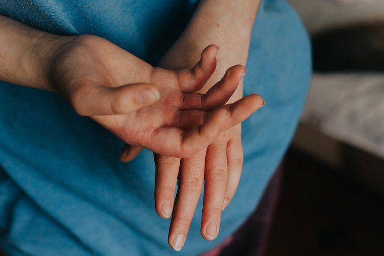雙手乾癢怎麼辦?圖/常春月刊
