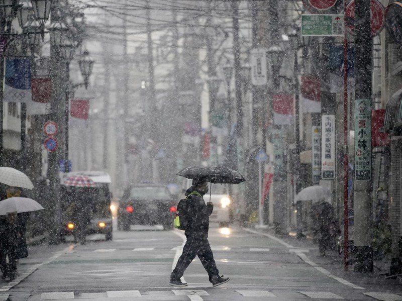 2020年自殺統計顯示,全日本自殺人數時隔11年增加、達2萬919人。歐新社