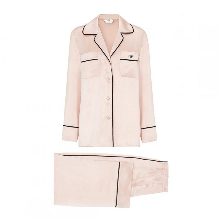 FENDI ROMA Holiday絲質睡衣套裝,10萬元。圖/FENDI提供