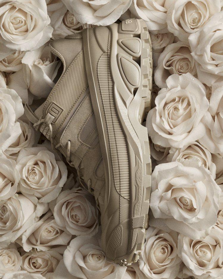 BURBERRY麂皮與皮革Arthur運動鞋,27,500元。圖/BURBERR...
