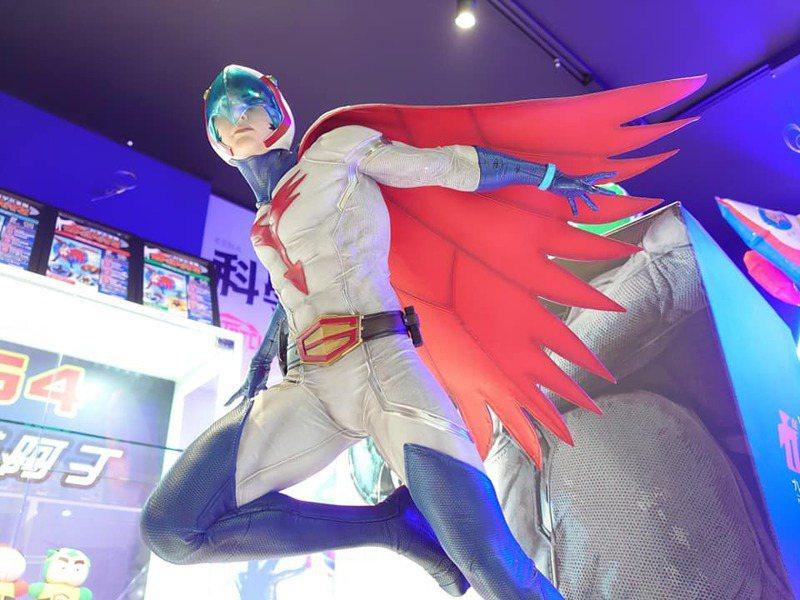 智勇雙全的科學小飛俠隊長1號鐵雄,是許多粉絲心目中的偶像。圖/「Kena的科學小飛俠~海底秘密基地」博物館提供