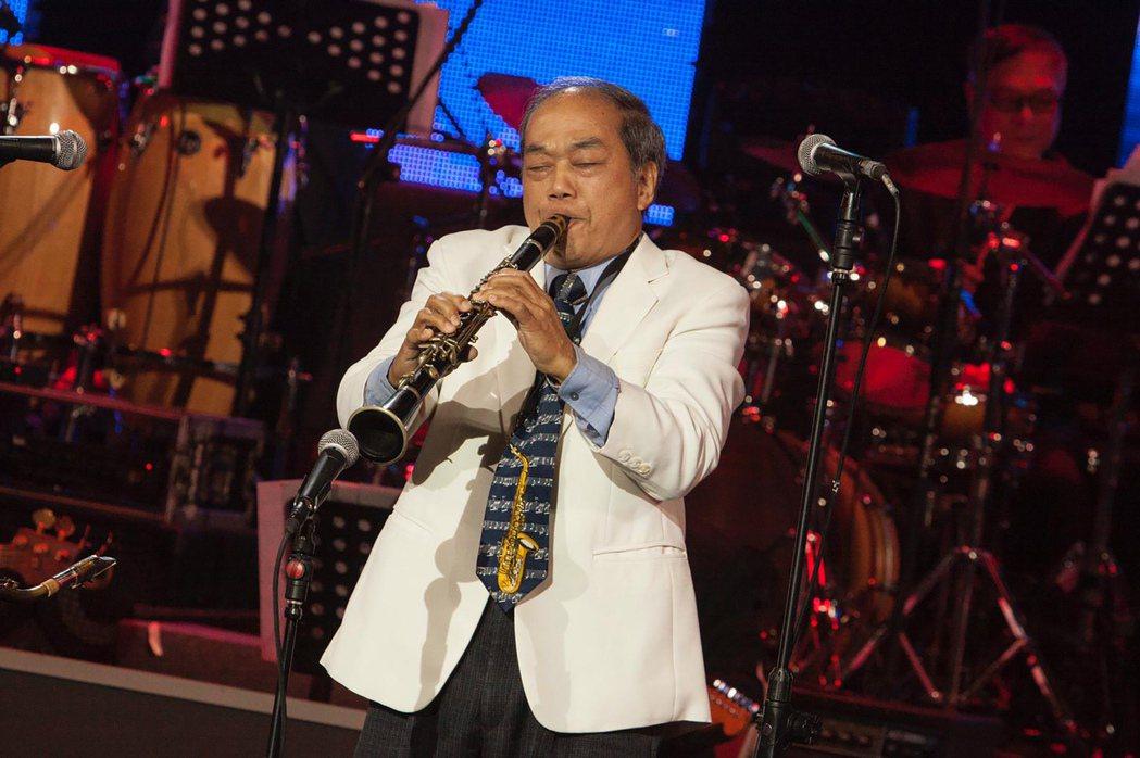 國寶級薩克斯風演奏家「番王」王吉宣31日由他的兒子王鐘逸證實過世消息,王吉宣因心