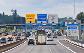 法國推出的新邊境限制將於下週啟用,限制僅針對歐盟外國家(自然含英國),但對於歐盟內部的較鬆規範卻引發爭論。(photo via Euractiv, under CC licensed)