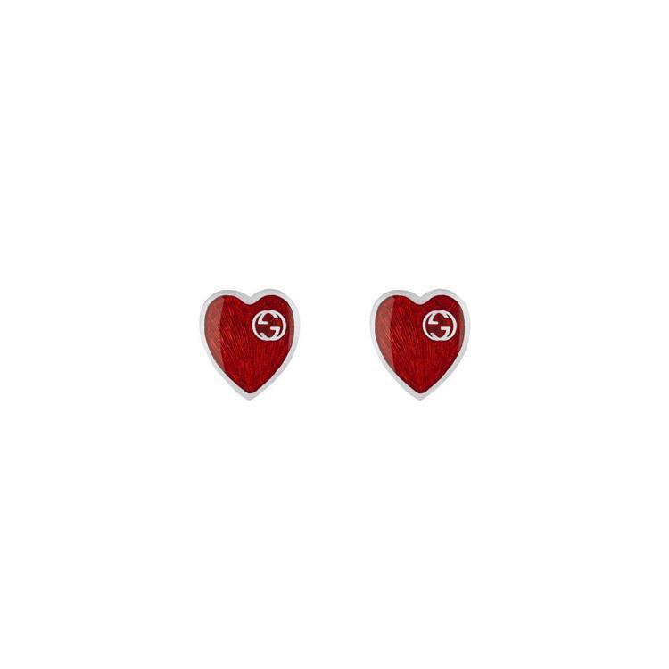Interlocking G紅色琺瑯心形耳環,7,600元。圖/Gucci提供