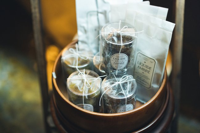 Marco將茶葉分裝,降低單價門檻,期望讓更多人輕鬆進入茶的世界。圖/禮拜文房具...