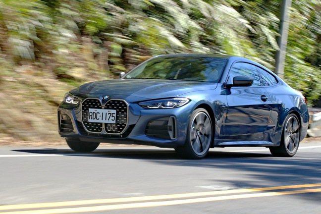 BMW M440i xDrive,售價370萬元。記者陳威任/攝影