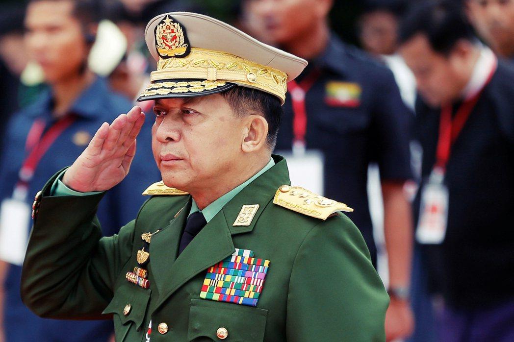 現年64歲的敏昂來將軍,雖然是緬甸國防軍的「寡頭司令」,但根據軍方規定,他必須在...