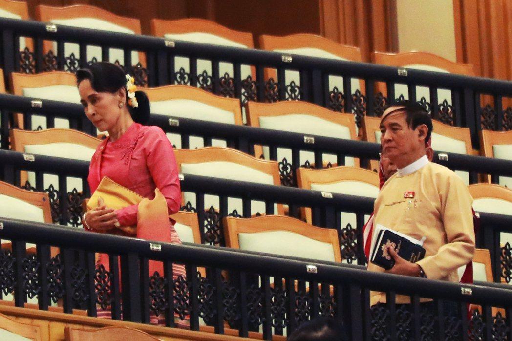 敏昂來的軍隊就在2月1日清晨出發,一口氣逮捕了翁山蘇姬、緬甸總統溫敏...等多名...