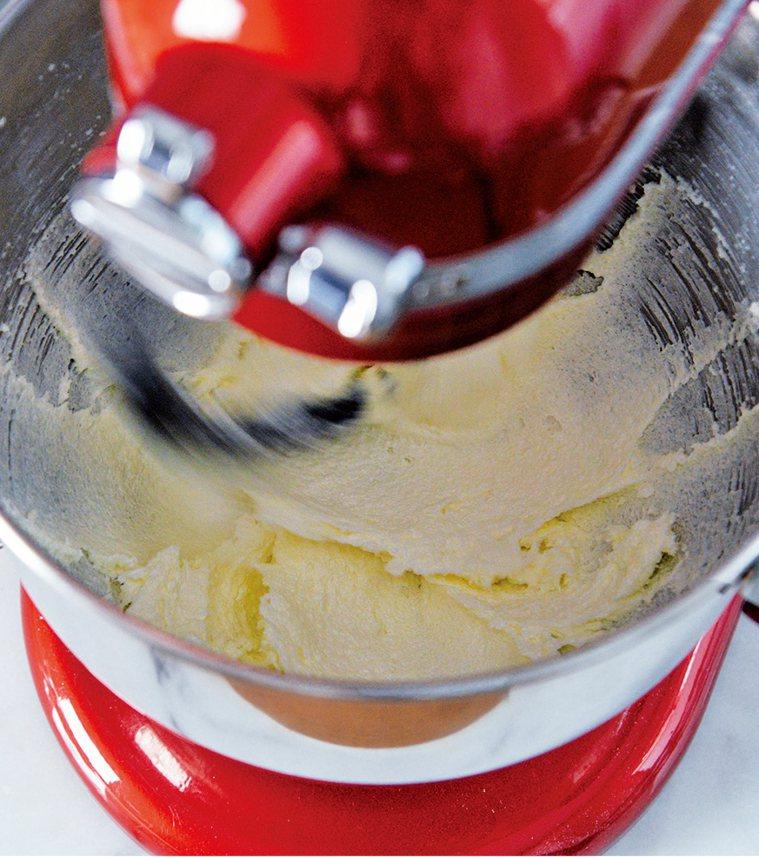 圖/摘自《奶油霜抹面蛋糕:蛋糕設計師的裝飾美學!發想╳配色╳造型,從初階到進階的...