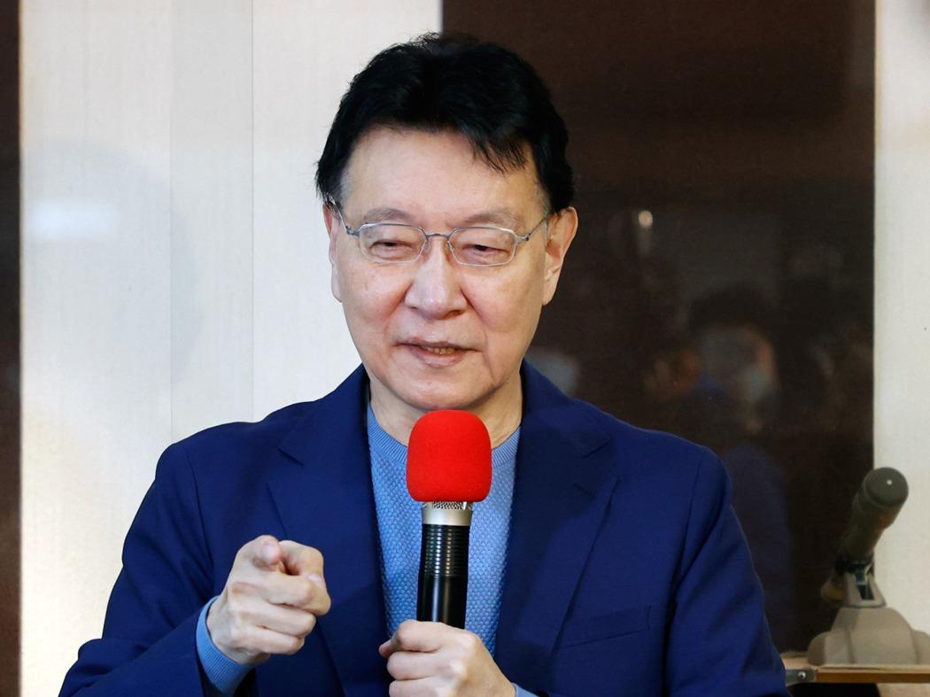 中廣董事長趙少康舉行記者會,說明有意重返國民黨參選黨主席。記者鄭超文/攝影