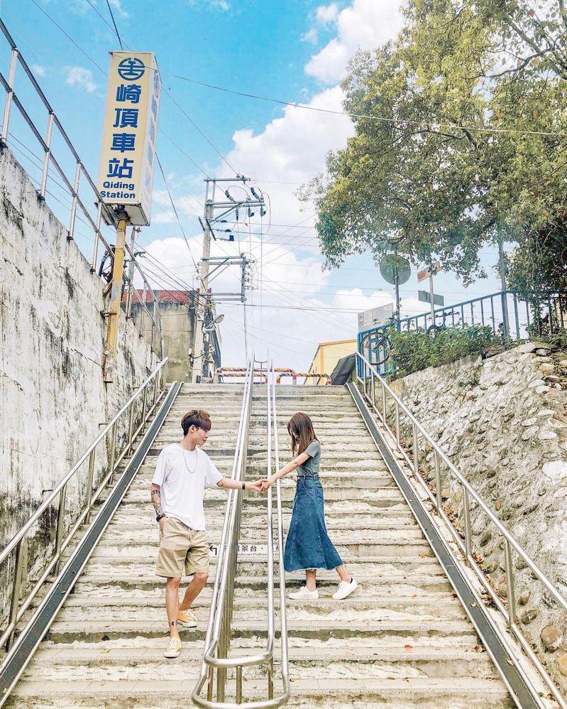 ▲中部過年走春景點-苗栗崎頂車站。(圖/hsini_0217, Instagram)
